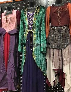 Hocus Pocus Halloween Costumes, Halloween Dress, Halloween Outfits, Diy Witch Costume, Haunted Halloween, Group Halloween, Halloween Cosplay, Halloween Makeup, Costume Ideas