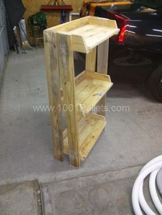Furnitures made from wooden pallets, here a kitchen shelf