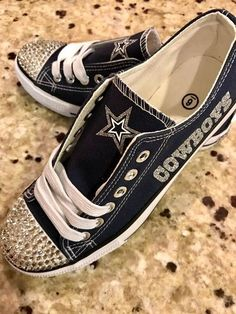 16ad47c6e747 Dallas Cowboys Shoes w Free pair of Dallas Cowboys earrings