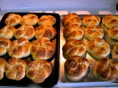 Challah Kaiser Rolls (with detailed instructions on how to make those pretty knots)-- a beautiful addition to a holiday table