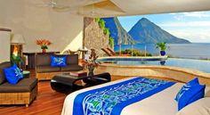 Jade Mountain, isola St. Lucia (Mare dei Caraibi): affacciato sull'incantevole baia sotto la catena dei Pitons, il Jade Mountain resort offre un santuario di relax con vista grazie a un sistema di terrazze, giardini tropicali e infinity pool. Info: jademountain.com