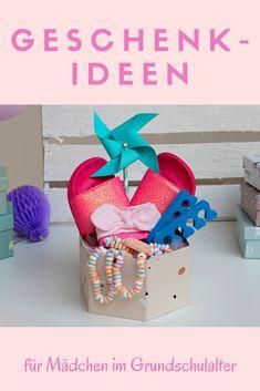 Tolle Ideen für ein kreatives Beauty-Paket für Mädchen findest Du in diesem Artikel. #Geschenkideen Place Cards, Place Card Holders, Beauty, Cute Ideas, Primary School, Amazing, Birth, Creative, Gifts