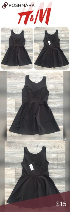 NWT FOREVER 21 Black Dress Size S (READ DESC.) This is a NEW WITH TAGS FOREVER 21 Black Sleeveless Dress in a Size S.  *(THIS DRESS IS MISSING THE WAIST TIE)* Forever 21 Dresses
