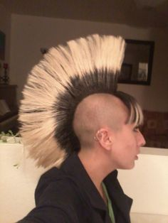 Bildergebnis für bi hawk short hair Short Hair Styles, Punk Girls, Bob Styles, Short Hair Cuts, Short Hairstyles, Short Hair Dos, Short Hairstyle, Short Hair, Short Shag Hairstyles