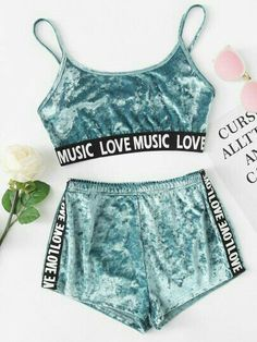 Samt Dessous Set mit Muster und Band – German SheIn(Sheinside) Velvet lingerie set with pattern and ribbon – German SheIn (Sheinside) Cute Lazy Outfits, Teenage Outfits, Sporty Outfits, Swag Outfits, Mode Outfits, Outfits For Teens, Trendy Outfits, Pajama Outfits, Crop Top Outfits