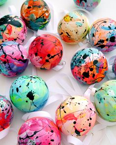 Eat Pray Pedal's hand-painted ornaments bring a unique touch to the tree Painted Christmas Ornaments, Hand Painted Ornaments, Diy Christmas Ornaments, Holiday Crafts, Christmas Time, Xmas Baubles, Crafts To Sell, Crafts For Kids, Country Christmas Decorations