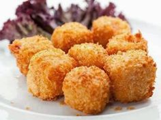These are very tasty little deep fried chicken balls that are great served with dips of your choice. Deep Fried Chicken Balls Recipe from Grandmothers Kitchen. Fried Chicken Balls Recipe, Cheese Corn Balls Recipe, Corn Cheese, Cheese Ball Recipes, Gator Balls Recipe, Wildly Delicious, Grandmothers Kitchen, Snacks Saludables, Food And Drink