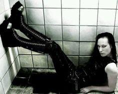 Long legs o. Goth Guys, Goth Look, Photo Dump, Long Legs, Black Metal, Gothic, Leather Pants, Character Design, Boyfriends