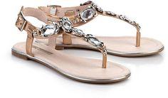 Pin for Later: 15 flache Sandalen, die cooler sind als jeder Flip Flop  Buffalo Zehentrenner in Bronze (50 €)