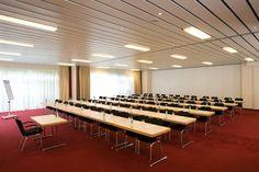 NH Berlin Potsdam - Fuchsbau -   Dieser Veranstaltungsraum verfügt über Tageslicht und ist ausgestattet mit hochwertiger Tagungstechnik.  ISDN- und Wireless- Lan Zugang, Klimaanlage, verschiedene Licht- und Tondarstellungen für Präsentationen und Vorträge gewährleisten eine erfolgreiche Veranstaltung