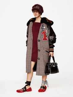 See the complete Miu Miu Pre-Fall 2017 collection.