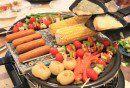 gegrillte zutaten für raclette