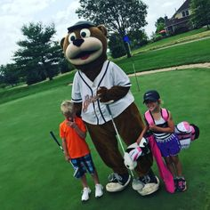 Izzy was thrilled to be at @faroaksgolfclub for children's golf camp earlier today! #GetGrizzlie #FarOaksJrAcademy #OurTurf