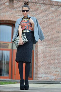T-shirt and lace skirt