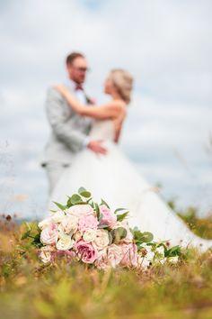 #häät #hääkuvaus #vihkiminen #hääpotretti #weddings #weddingphotography #weddingphotoideas #weddingportrait #weddingportraiture #hääkuvaajakemi #hääkuvaajatornio #hääkuvaajaoulu #hääkuvaajarovaniemi #hääkuvausmerilappi #häävalokuvaaja #valokuvaajakemi #valokuvaajatornio #valokuvaajakeminmaa #valokuvaajaoulu #valokuvaajarovaniemi #dokumentaarinenhääkuvaus Wedding Poses, Wedding Dresses, Bride Dresses, Bridal Gowns, Wedding Dressses, Bridal Dresses, Wedding Dress, Wedding Posing