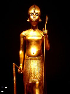 Tutankhamun wearing the Hedjet, the crown of Upper Egypt by The Adventurous Eye, via Flickr (more on the Wow board)