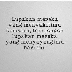 "9,274 Likes, 62 Comments - Majelis Tausiyah Cinta  (@tausiyahcinta_) on Instagram: ""Lupakanlah... .  Tertuntuk Kamu Para Pencinta #AlQuran ... Follow  @CintaQuran_ Follow …"""
