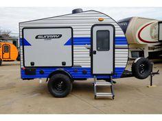 2020 Sunset Park Rv SunRay 139 Cargo Trailer Camper Conversion, Small Camper Trailers, Small Travel Trailers, Best Trailers, Tiny Camper, Small Campers, Camper Van Conversion Diy, Camp Trailers, Rv Campers