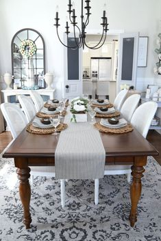 Find the very best concepts for your minimalist dining-room that matches your style and taste. Search for fantastic images of minimalist dining-room f. Farmhouse Dining Room Table, Dining Room Table Decor, Country Dining Rooms, Dining Table Design, Room Decor, Rustic Farmhouse, Farmhouse Style, Farmhouse Ideas, Solid Wood Dining Table