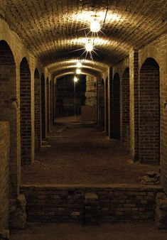 14 American Cities With Crazy Underground Tunnel Systems - Chicago, Boston, New York. Always conveniently lit in photos. Probably scary in real life. Bunker, Medieval, The Catacombs, Underground Cities, All Nature, City Streets, Fantasy, Abandoned Places, Places To Go