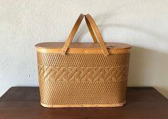 Vintage Crafts, Vintage Home Decor, Vintage Kitchen, Etsy Vintage, Vintage Sewing, Vintage Items, Burlington Iowa, Mailing Address, Picnic Baskets