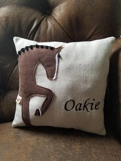 Equestrian Equipments – Equestrian Equipments Tips Equestrian Decor, Western Decor, Country Decor, Equestrian Style, Diy Pillows, Custom Pillows, Throw Pillows, Sewing Crafts, Sewing Projects