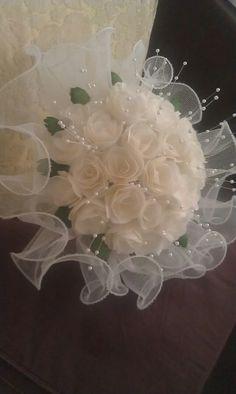 Bridesmaid Flowers, Bride Bouquets, Bridal Flowers, Flower Bouquet Wedding, Floral Bouquets, Floral Wedding, Bridal Glasses, Diy Lace Ribbon Flowers, Bridal Brooch Bouquet