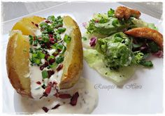 Sour Cream wird ja bekannterweise gerne zu Kartoffelgerichten gegessen.  Backartoffel mit Sour Creme gefüllt, so lecker !!  Als Grillbeilag...