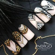 Animal Print Nails by Anna Michalowska Zebra Nail Art, Animal Nail Art, New Nail Art, Nails Only, Love Nails, 3d Nails, Nail Art Arabesque, Nail Atelier, Sculpted Gel Nails