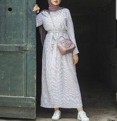 Abaya Fashion, Muslim Fashion, Modest Fashion, Girl Fashion, Fashion Outfits, Modest Dresses, Modest Outfits, Modele Hijab, Hijab Trends