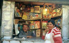 Newsstand in Bogota, Colombia, 1987 (Photo credit: Ferdinando Scianna / Magnum Photos)