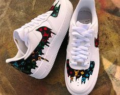 """Custom Vans """"MickeyMouse vs Itchy and Scratchy"""" Dr Shoes, Cute Nike Shoes, Cute Sneakers, Nike Air Shoes, Hype Shoes, Sneakers Nike, Jordan Shoes Girls, Girls Shoes, Custom Vans Shoes"""