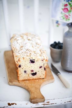 banana bread with blueberries and streusel crumbs Blueberry Banana Bread, Blueberry Recipes, Crazy Cakes, Cookie Desserts, Bread Baking, Cake Cookies, No Bake Cake, Bread Recipes, Muffins