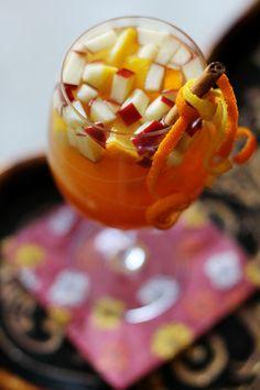 Fall Sangria | Apple Cider, Sauvignon Blanc, Bourbon, Apples, Oranges, Lemons