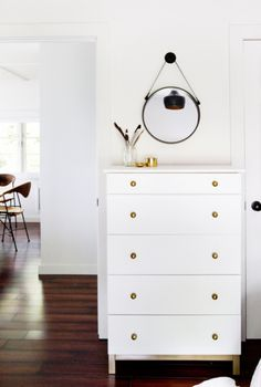 Dresser gold nobs with gold sparkle top