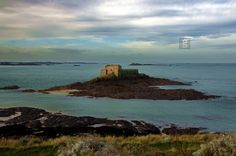 https://flic.kr/p/7D8GcR   petit bé   the island of Petit Bé (or Bey) and his strong are just a few hundred yards from the ramparts of the city of Saint-Malo and a few dozen meters from the Grand Bé.  FOR SALE ON GETTY IMAGES  Check it out my Portfolio:  GETTY IMAGES Maybe you like this: /  Facebook  /  Twitter / Google+ /  Blogspot  /  Pinterest  /  Tumblr / www.vincent-jary.fr   © Vincent Jary