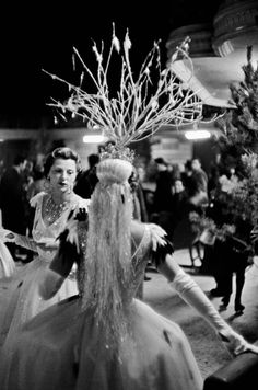 Inge Morath, Bal d'Hiver, Paris, 1955.