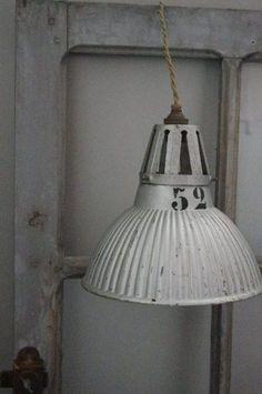 Kleine industrielle Lampenschirm-Kuppel. Erhältlich in 4 ...