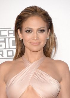 Jennifer Lopez Smoky Eyes - Smoky Eyes Lookbook - StyleBistro