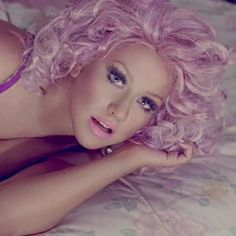 "Love Christina Aguilera's hair in her new video ""Your Body"""