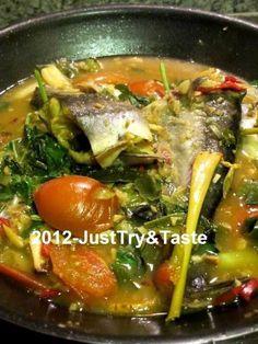 Just Try & Taste: Pindang Ikan Patin Halal Recipes, Fish Recipes, Seafood Recipes, Asian Recipes, Cooking Recipes, Ethnic Recipes, Love Food, A Food, Food And Drink