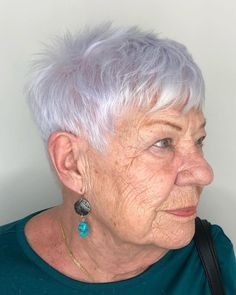 Thin Hair Styles For Women, Short Hair Older Women, Haircut For Older Women, Short Hair Styles, Mature Women Hairstyles, Hairstyles For Seniors, Fine Hairstyles, Haircuts For Over 60, Haircuts For Thin Fine Hair