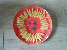Thema wk; oranje leeuw van bordje en penne.