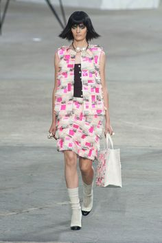 We love this fresh art-inspired fabric treatment at Chanel. #pfw #ss14
