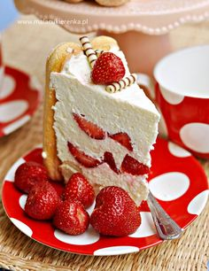 torcik z truskawkami Polish Desserts, Polish Recipes, Cookie Desserts, Sweet Recipes, Cake Recipes, Vegan Ramen, Holiday Cakes, Desert Recipes, Cheesecake