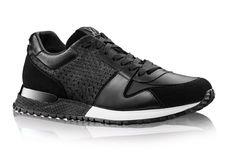 """""""Sneakers are having a moment."""" Nombreux sont les critiques de mode qui – toujours à l'affût de nouveautés – s'amusent à saupoudrer leurs comptes-rendus de cette phrase soporiphique. Karl et Raf ont choisi 2014 pour lancer la bataille des baskets …"""