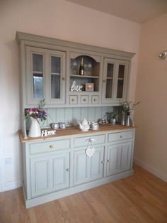 Farrow and Ball French Gray Welsh Dresser Dining Room Dresser, Dining Room Storage, Kitchen Dresser, Shabby Chic Welsh Dresser, French Dresser, Dresser Inspiration, Home Decor Inspiration, Dresser Ideas, Furniture Makeover