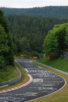 Nürburgring Nordschleife, Adenauer Forst. ☆MïăÅņňã☆》