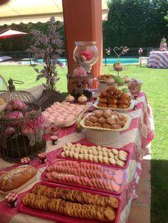 Girls birthday party: love the birdcage!