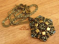 Free pattern for pendant Antique by Lina Tolstova Click on link to get pattern - http://beadsmagic.com/?p=6632
